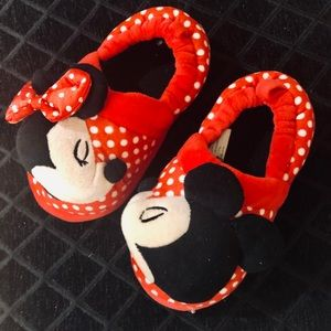 Disney Minnie Mouse Slippers NWOT